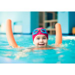 Как научить ребенка плавать?