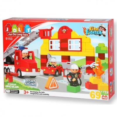 Детский развивающий конструктор JDLT Пожарная станция 69 деталей, свет, звук (5153)